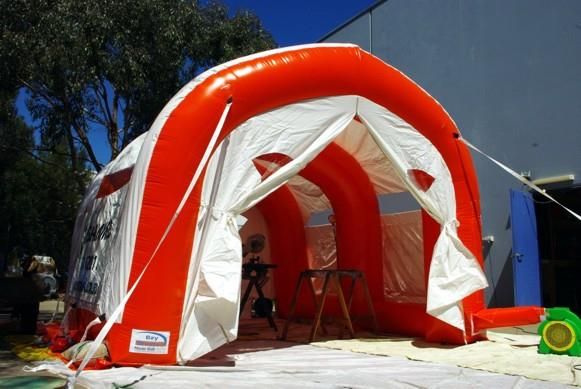 The new EzY 7045 inflatable workshop from Giant Inflatables.