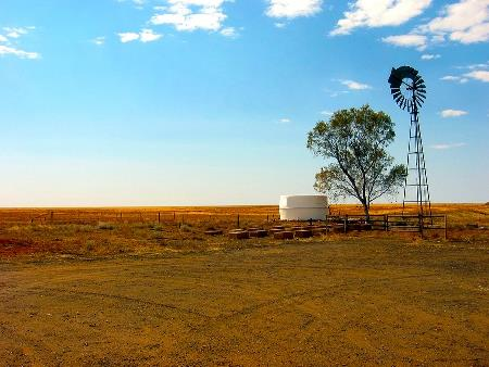 Aust farmers buoyed by prices, season – but prepare for dry times