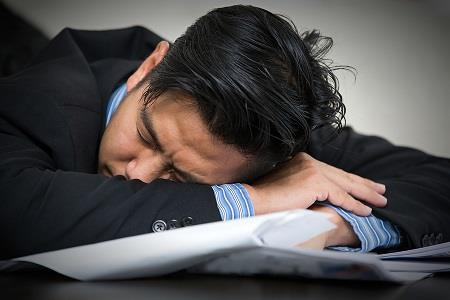 Napping on nightshift 'can put workers at risk'