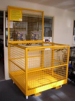 Safety at height: safety cage focus