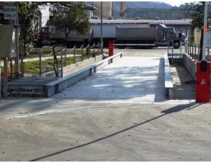 Heavy duty concrete deck weighbridge for by-products processor