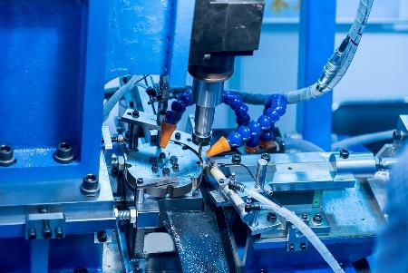 How to buy a cost effective and efficient CNC milling device